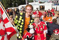 15-09-12, Netherlands, Amsterdam, Tennis, Daviscup Netherlands-Suisse, Dutch and Suisse supporters together