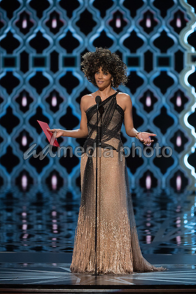 26 February 2017 - Hollywood, California - Halle Berry. 89th Annual Academy Awards presented by the Academy of Motion Picture Arts and Sciences held at Hollywood & Highland Center. Photo Credit: AMPAS/AdMedia