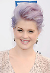 SANTA MONICA, CA - AUGUST 19: Kelly Osbourne arrives at the 2012 Do Something Awards at Barker Hangar on August 19, 2012 in Santa Monica, California. /NortePhoto.com....**CREDITO*OBLIGATORIO** ..*No*Venta*A*Terceros*..*No*Sale*So*third*..*** No Se Permite Hacer Archivo**