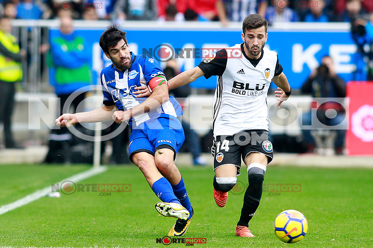 Deportivo Alaves' Manu Garcia (l) and Valencia CF's Jose Luis Gaya during La Liga match. October 28,2017. (ALTERPHOTOS/Acero) /NortePhoto.com
