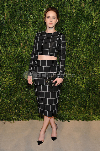 NEW YORK, NY - NOVEMBER 07: Rachel Brosnahan attends 13th Annual CFDA/Vogue Fashion Fund Awards at Spring Studios on November 7, 2016 in New York City. Photo by John Palmer/ MediaPunch