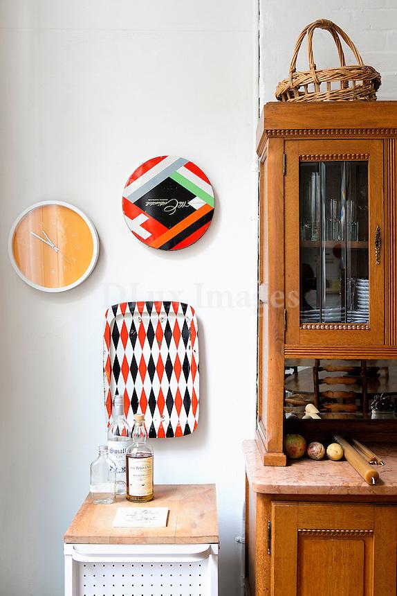 wooden vitrine cabinet