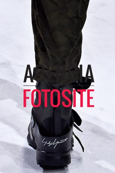 Yohji Yamamoto<br /> <br /> Paris Masculino - Inverno 2017<br /> <br /> <br /> foto: FOTOSITE
