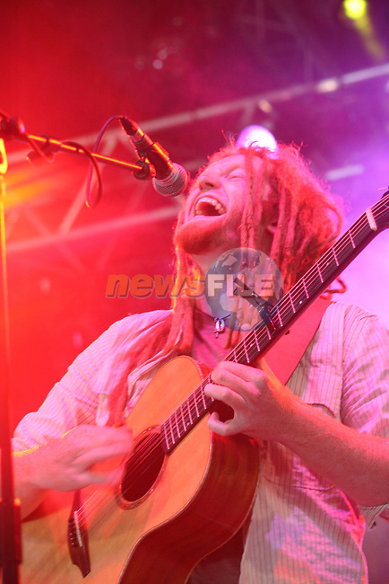 Newton Faulkner at  Cois Fharraige Festival, 07, Kilkee, Co.Clare...Photo NEWSFILE/Jenny Matthews.(Photo credit should read Jenny Matthews/NEWSFILE)....This Picture has been sent you under the condtions enclosed by:.Newsfile Ltd..The Studio,.Millmount Abbey,.Drogheda,.Co Meath..Ireland..Tel: +353(0)41-9871240.Fax: +353(0)41-9871260.GSM: +353(0)86-2500958.email: pictures@newsfile.ie.www.newsfile.ie.FTP: 193.120.102.198.