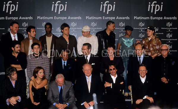 group photo of the IFPI Europe Platinum Awards 2002 in Brussels, Belgium, 10/07/2002