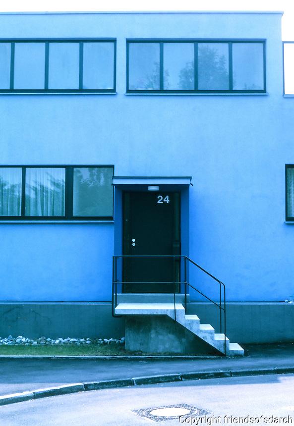 Stuttgart: Weissenhofsiedlung. No. 24 AM Weissenhof. Mart Stam.