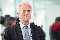 Berlin, Bundesverkehrminister Peter Ramsauer (CSU), zu Beginn der Kabinettssitzung, Kanzleramt, Deutschland - April 17. (Photo by Maja Hitij/commonlens)