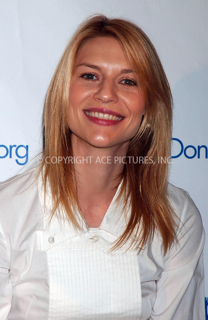 WWW.ACEPIXS.COM . . . . . ....November 15 2007, New York City....Claire Danes attending a press conference announcing DonorsChoose.org national expansion at the High School for Environmental Studies....Please byline: KRISTIN CALLAHAN - ACEPIXS.COM.. . . . . . ..Ace Pictures, Inc:  ..(646) 769 0430..e-mail: info@acepixs.com..web: http://www.acepixs.com