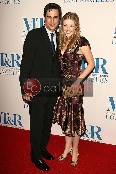 Jonathan Silverman and Jennifer Finnigan<br />