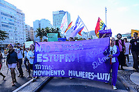 RIO DE JANEIRO, RJ, 27 DE JULHO DE 2013 -MARCHA DAS VADIAS-RJ- Movimento feminista pelo direito do uso do corpo das mulheres, Marcha das vadias, na tarde deste sábado, 27, na praia de Copacabana, zona sul do Rio de Janeiro.FOTO:MARCELO FONSECA/BRAZIL PHOTO PRESS