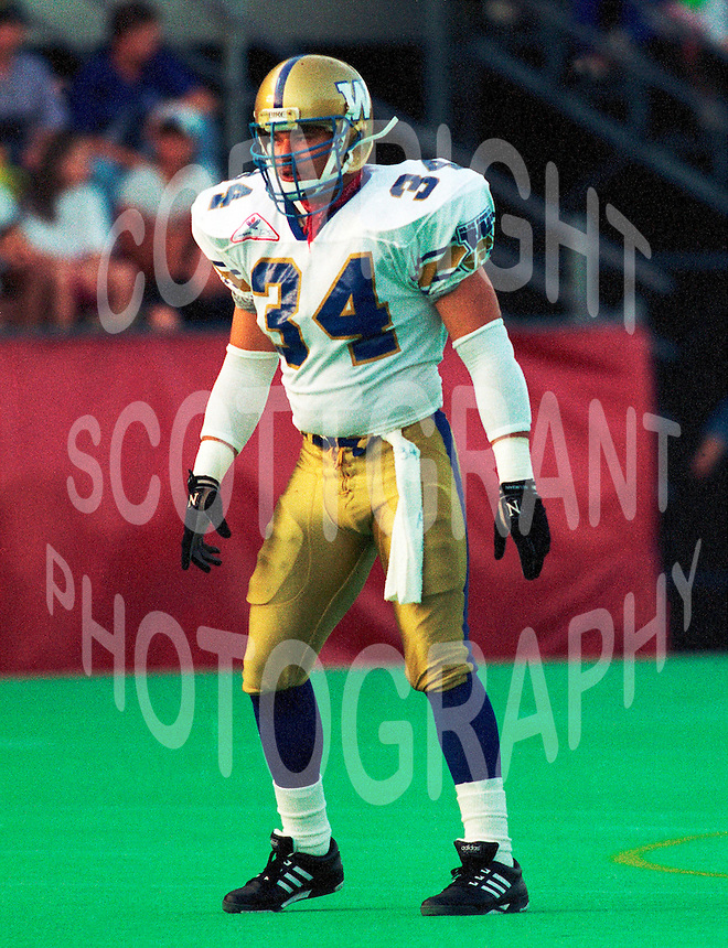 Greg Battle Winnipeg Blue Bombers 1992. Copyright photograph Scott Grant