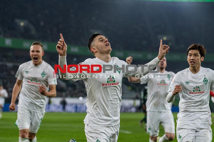 01.12.2019, Volkswagen Arena, Wolfsburg, GER, 1.FBL, VfL Wolfsburg vs SV Werder Bremen<br /> <br /> DFL REGULATIONS PROHIBIT ANY USE OF PHOTOGRAPHS AS IMAGE SEQUENCES AND/OR QUASI-VIDEO.<br /> <br /> im Bild / picture shows<br /> Jubel 0:1, <br /> Milot Rashica (Werder Bremen #07) bejubelt seinen Treffer zum 0:1 per Handelfmeter nach Videobeweis, <br /> <br /> Foto © nordphoto / Ewert