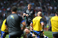 Stuart Hooper of Bath Rugby has a word with his team during the pre-match warm-up. Aviva Premiership Final, between Bath Rugby and Saracens on May 30, 2015 at Twickenham Stadium in London, England. Photo by: Patrick Khachfe / Onside Images