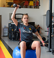 20170608 – TUBIZE , BELGIUM : illustration picture shows a part of the red flames team with Elien Van Wynendaele  during a fitness and physical session at the fitnessroom of the Belgian national women's soccer team Red Flames trainingscamp to prepare for the Women's Euro 2017 in the Netherlands, on Thursday 8 June 2017 in Tubize.  PHOTO SPORTPIX.BE | DAVID CATRY