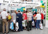 Beurs voor ouderen in Den Haag. Gezondheidstest.
