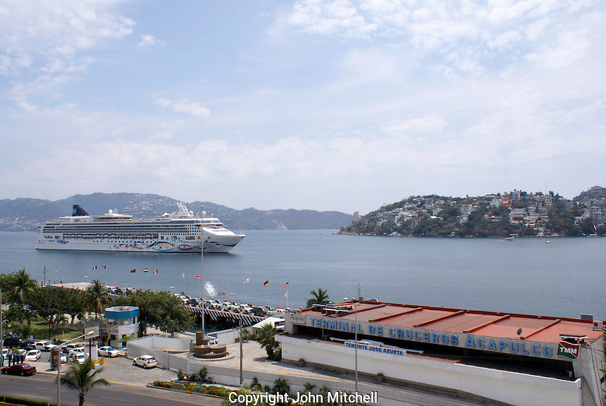 Cruise ship approaching the cruise ship terminal in Acapulco, Mexico