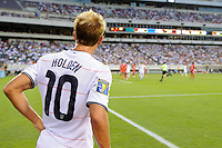 Stuart Holden (10) of the United States (USA) prepares to take a corner kick.  The United States (USA) defeated Panama (PAN) 2-1 during a quarterfinal match of the CONCACAF Gold Cup at Lincoln Financial Field in Philadelphia, PA, on July 18, 2009.
