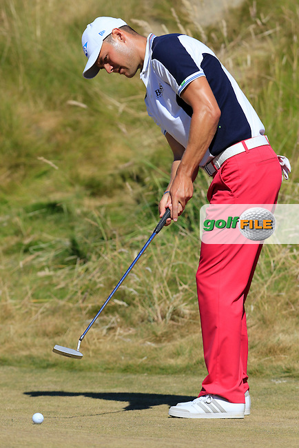 Martin Kaymer (GER) takes his putt on the 6th green during Friday's Round 2 of the 2015 U.S. Open 115th National Championship held at Chambers Bay, Seattle, Washington, USA. 6/20/2015.<br /> Picture: Golffile | Eoin Clarke<br /> <br /> <br /> <br /> <br /> All photo usage must carry mandatory copyright credit (&copy; Golffile | Eoin Clarke)
