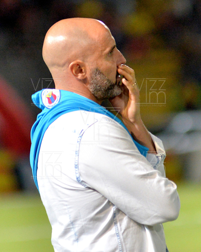 IBAGUE - COLOMBIA, 27-08-2018: Hernán Lisi, técnico de Deportivo Pasto, durante partido de la fecha 6 por la Liga Aguila II 2018 entre Deportes Tolima y Deportivo Pasto,  jugado en el estadio Manuel Murillo Toro de la ciudad de Ibague. / Hernan Lisi, coach of Deportivo Pasto, during a match of the 6th date for the Aguila League II 2018, between Deportes Tolima and Deportivo Pasto,  played at Manuel Murillo Toro stadium in Ibague city. Photo: VizzorImage / Juan Carlos Escobar / Cont.