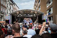 Berlin, Hauptbühne am Samstag (15.06.13) in Berlin, bei der Eröffnung des schwul-lesbischen Stadtfestes . Foto: Maja Hitij/CommonLens