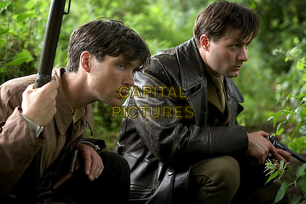 CILLIAN MURPHY & PADRAIC DELANEY.in The Wind That Shakes the Barley.*Editorial Use Only*.www.capitalpictures.com.sales@capitalpictures.com.Supplied by Capital Pictures.