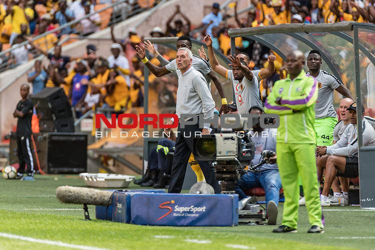05.01.2019, FNB Stadion/Soccer City, Nasrec, Johannesburg, RSA, Premier League, Kaizer Chiefs FC vs Mamelodi Sundowns FC<br /> <br /> im Bild / picture shows <br /> Ernst Middendorp (Manager / Head Coach / Trainer Kaizer Chiefs FC) celebrates 1:1 <br /> during Matchday Kaizer Chiefs FC vs Mamelodi Sundowns FC, <br /> <br /> Foto © nordphoto / Ewert