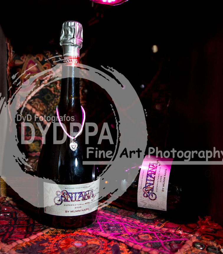 atmosphere.  2013/05/23. Rutherford. United States of America. The singer Carlos Santana Promotes Sparkling wine with his name. Photo by Media Punch/Unimedia /DYD Fotografos