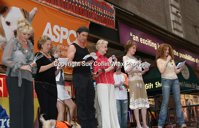 """Blithe Spirit's cast - Christine Ebersole (OLTL), Jayne Atkinson, Rupert Everett, Angela Lansbury and Mary Tyler Moore and Bernadette Peters at Broadway Barks 11 - a """"Pawpular"""" star-studded dog and cat adopt-a-thon on July 11, 2009 in Shubert Alley, New York City, NY. (Photo by Sue Coflin/Max Photos)"""