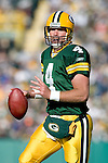 Quarterback Brett Favre #4 of the Green Bay Packers scrambles for a touchdown during an NFL football game against the Arizona Cardinals at Lambeau Field on October 29, 2006 in Green Bay, Wisconsin. The Packers beat the Cardinals 31-14. (Photo by David Stluka)