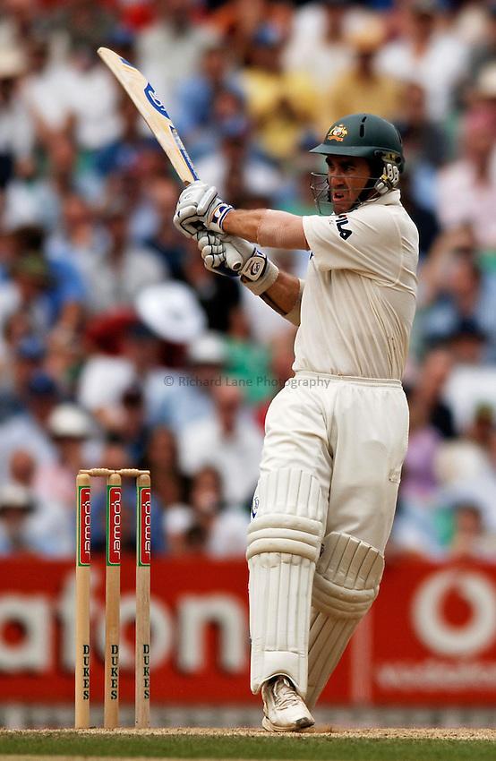 Photo: Glyn Thomas..England v Australia. nPower Test Series. The Ashes 2005..09/09/2005..Australia's Justin Langer.