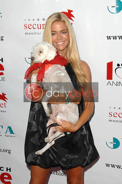 Denise Richards<br />at the 3rd Annual Bow Wow 'Wow Hollywood' Gala. The Lot, Hollywood, CA. 08-22-09<br />Dave Edwards/DailyCeleb.com 818-249-4998