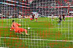 30.11.2019, Rheinenergiestadion, Köln, GER, DFL, 1. BL, 1. FC Koeln vs FC Augsburg, DFL regulations prohibit any use of photographs as image sequences and/or quasi-video<br /> <br /> im Bild Andre Hahn (#28, FC Augsburg) verschiesst Elfmeter, Timo Horn (#1, 1.FC Köln / Koeln) haelt ihn<br /> <br /> Foto © nordphoto/Mauelshagen