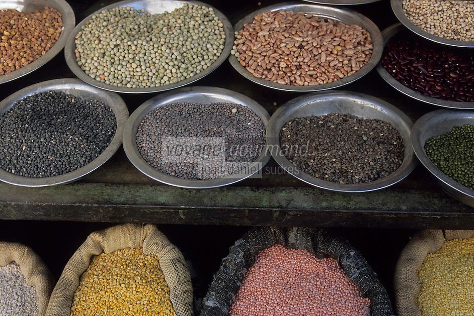 Asie/Inde/Rajasthan/Udaipur: Marché Mandi - Détail étal de légumes secs
