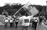 Genova 19 Luglio 2001.G8.La manifestazione dei migranti.i Curdi