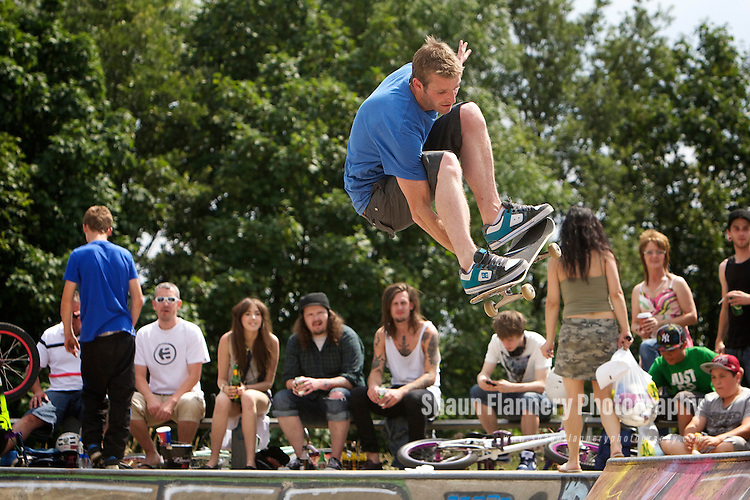 Pix: Shaun Flannery/shaunflanneryphotography.com...COPYRIGHT PICTURE>>SHAUN FLANNERY>01302-570814>>07778315553>>..3rd July 2011...........Area 51, Skate Jam, Anchorage Lane Skate Park..Skateboard.