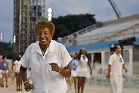 SÃO PAULO, SP, 05 DE FEVEREIRO DE 2012 - ENSAIO TECNICO ACADEMICOS DO TATUAPÉ - Leci Brandão durante Ensaio técnico da Escola de Samba do grupo de acesso Academicos do Tatuapé na preparação para o Carnaval 2012. O ensaio foi realizado  neste domingo (05) no Sambódromo do Anhembi, zona norte da cidade. FOTO: LEVI BIANCO - NEWS FREE