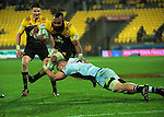 Loni Uhila in action during the Super Rugby quarterfinal match between the Hurricanes and Sharks at Westpac Stadium, Wellington, New Zealand on Saturday, 23 July 2016. Photo: Dave Lintott / lintottphoto.co.nz