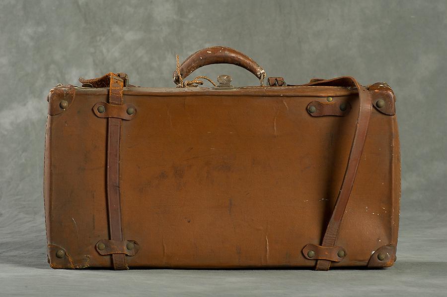 Willard Suitcases / Katherine K / ©2013 Jon Crispin