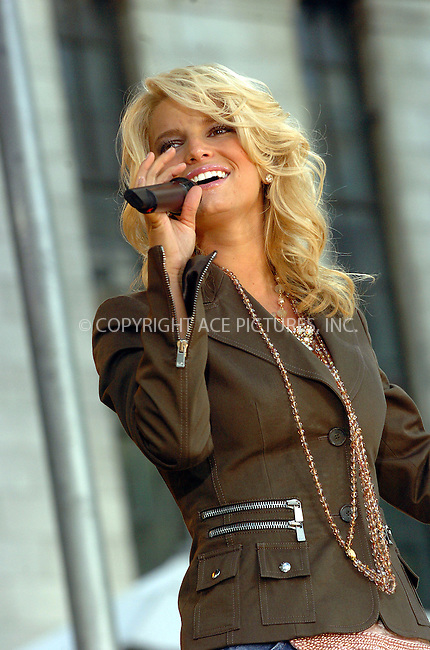 Jessica Simpson performs on GMA Show in Bryant Park. New York, August 6, 2004. Please byline: AJ SOKALNER -- ACEPIXS.COM   .. *** ***..Ace Pictures, Inc:  ..Contact: Alecsey Boldeskul (646) 267-6913 ..Philip Vaughan (646) 769-0430..e-mail: info@acepixs.com