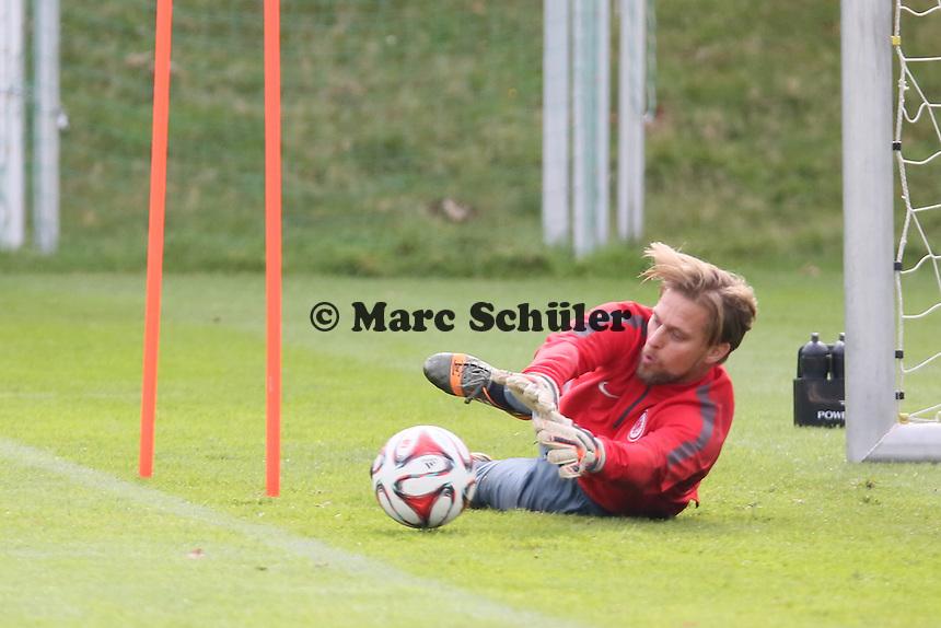 Timo Hildebrand (Eintracht) mit Torwarttrainer Michael Kraft - Eintracht Frankfurt Training, Commerzbank Arena