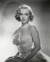 All About Eve (1950)<br /> Marilyn Monroe<br /> *Filmstill - Editorial Use Only*<br /> CAP/KFS<br /> Image supplied by Capital Pictures