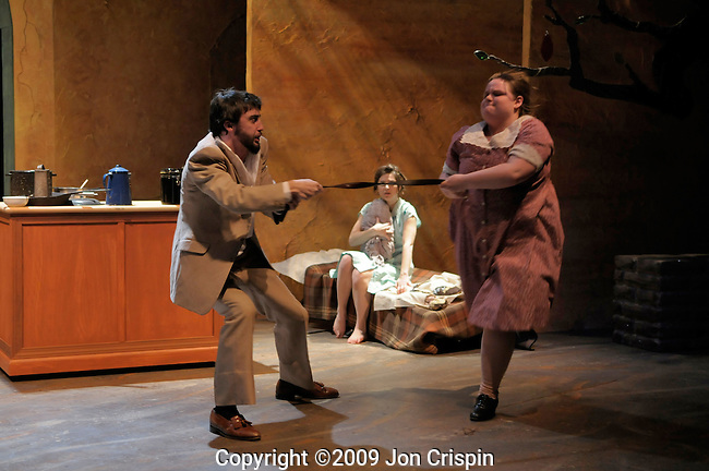 Smith College production of Cuentos de Eva Luna..© 2009 JON CRISPIN .Please Credit   Jon Crispin.Jon Crispin   PO Box 958   Amherst, MA 01004.413 256 6453.ALL RIGHTS RESERVED.