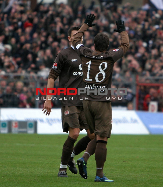 2.Liga FBL 2008/2009  16. Spieltag Hinrunde<br /> FC St.Pauli &ndash; vs. TUS Koblenz<br /> <br /> <br /> Torsch&uuml;tze Alexander Ludwig (Nr.18) zum 1:0.<br /> <br /> <br /> <br /> Foto &copy; nph (nordphoto)<br /> <br /> *** Local Caption ***