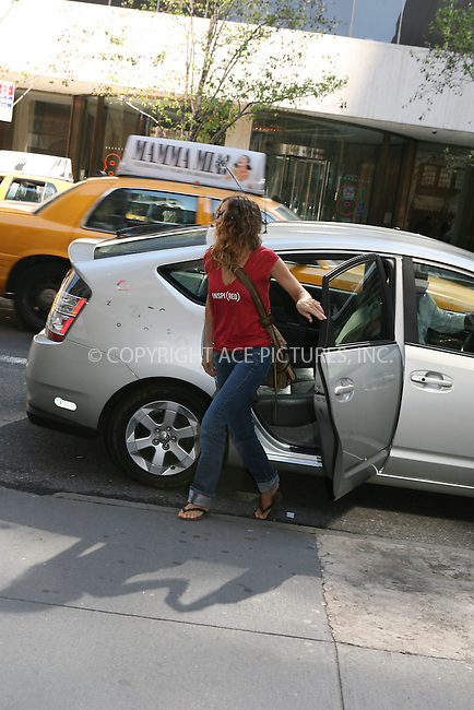 WWW.ACEPIXS.COM ** ** ** ....September 7, 2006, New York City. ....Sarah Jessica Parker goes out of her brand new Hybrid car Uptown New York. ....Please byline: Philip Vaughan -- ACEPIXS.COM.. *** ***  ..Ace Pictures, Inc:  ..Philip Vaughan (212) 243-8787 or (646) 769 0430..e-mail: info@acepixs.com..web: http://www.acepixs.com