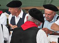 Europe/France/Midi-Pyrénées/32/Gers/Seissan: Lors de la fête du village, lors du repas de la fête de la batteuse à l'ancienne