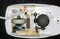 COMPUTER MOUSE<br /> Internal Workings Of A Computer Mouse