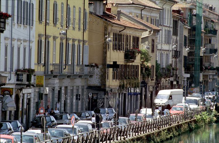 milano, case lungo il naviglio grande --- milan, houses along the naviglio grande channel
