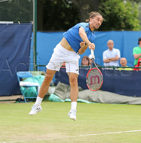 21.06.2016. Nottingham Tennis Centre, Nottingham, England. Aegon Open Mens ATP Tennis. Alexandr Dolgopolov of Ukraine serves