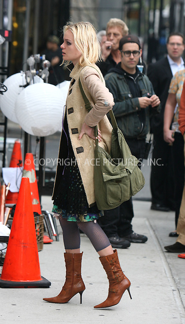 WWW.ACEPIXS.COM . . .  ....November 29, 2006, New York City. ....Kate Bosworth on her way to 'The Girl in the Park' Movie Set. ....Please byline: PHILIP VAUGHAN - ACEPIXS.COM.. *** ***  ..Ace Pictures, Inc:  ..(212) 243-8787 or 646 769 0430..e-mail: info@acepixs.com..web: http://www.acepixs.com