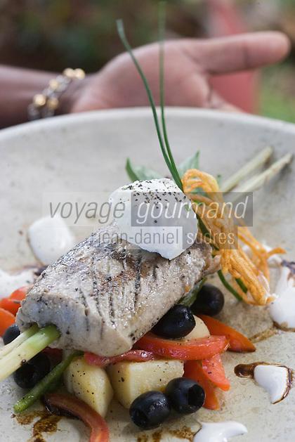 Afrique/Afrique de l'Est/Tanzanie/Zanzibar/Ile Unguja/ Stone Town: Thon Blanc sur lemongrass, beurre blanc au gingembre et emulsion balsamique, recette de Waldema Müggenburg chef du Restaurant Mitoni Marine